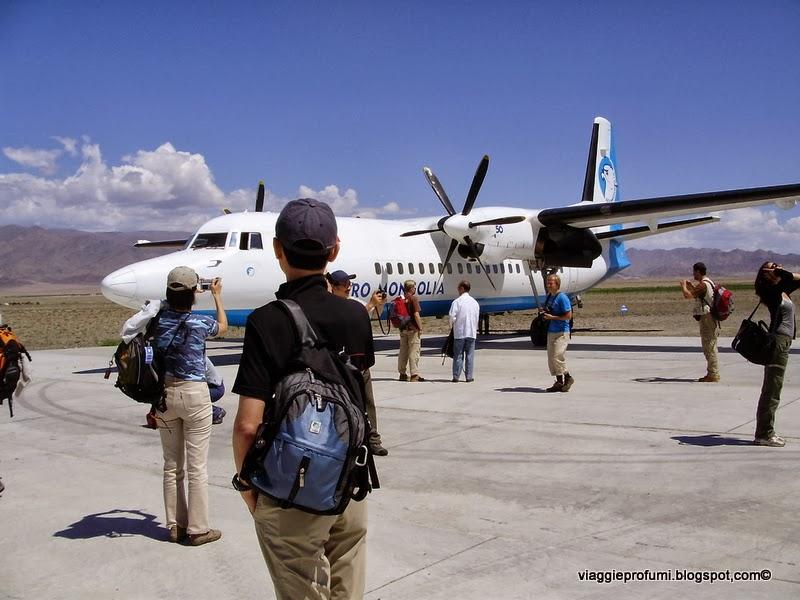 Piccolo aeroporto nella zona degli Altai, in Mongolia