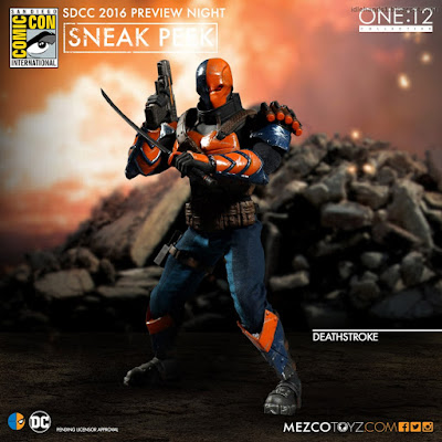 Mezco One:12 Collective DC Comics Deathstroke Action Figure