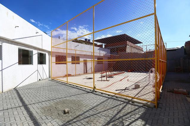Belford Roxo asfalta ruas e constrói escola 3