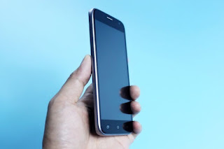 Hp Android murah RAM 2GB Uhans A101s kamera  depan 8MP