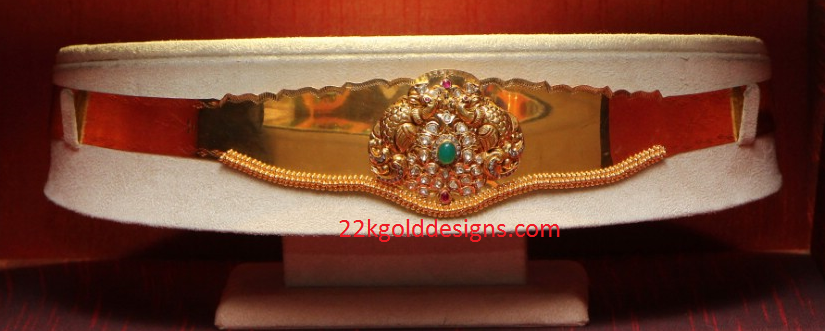 Latest Plain Gold Vaddanam design