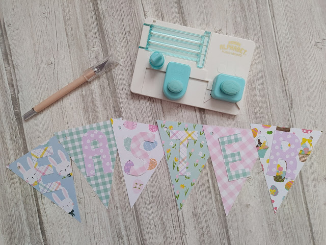 DIY Scrapbooking Bannière Easter (Mini ABC punch board - All in one tool We r Memory Keepers)