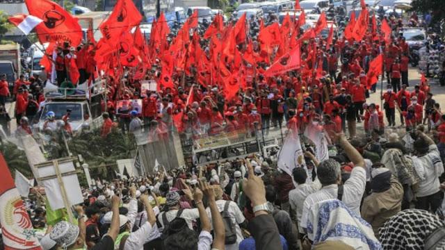 Pembakaran Bendera PDIP Picu Konflik Anak Buah Megawati dengan PA 212