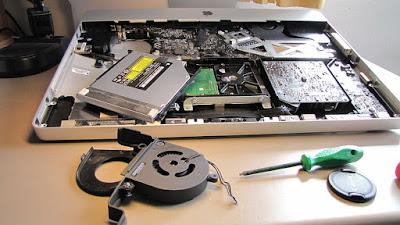 Laptop di bongkar