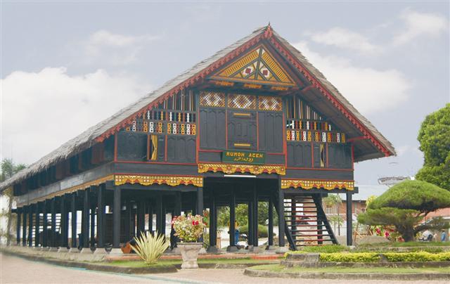 Gambar Rumah Adat Jawa Timur Dan Penjelasannya Rumah Adat Jawa