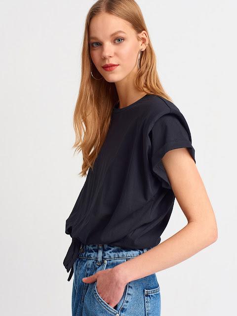 Önü Bağlamalı Vatkalı Bluz-Siyah