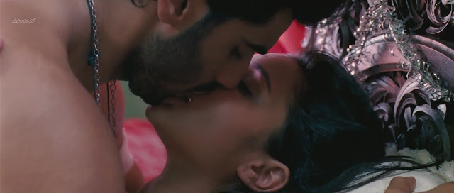 Parineeti Chopra Bed scene