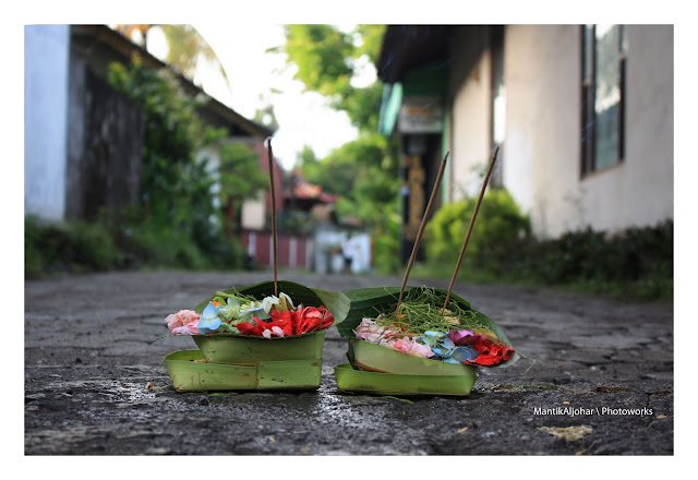 Be careful, Don't Step on the offerings while on a tour in Bali
