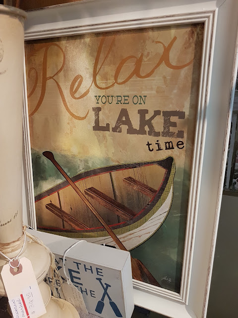 Lake signs at The Camellia