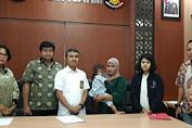 Balita Asal Malaysia Dijemput Orang Tua Kandung di Polda Jatim Hari ini