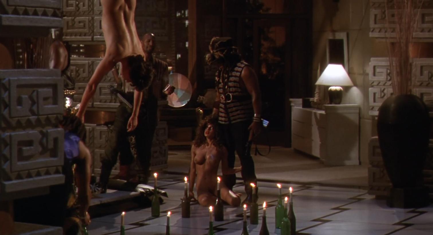 Predator 2 sex scene