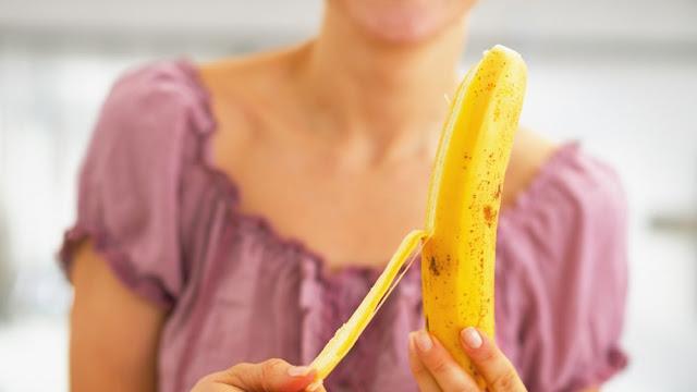 fakta pisang adalah buah beri
