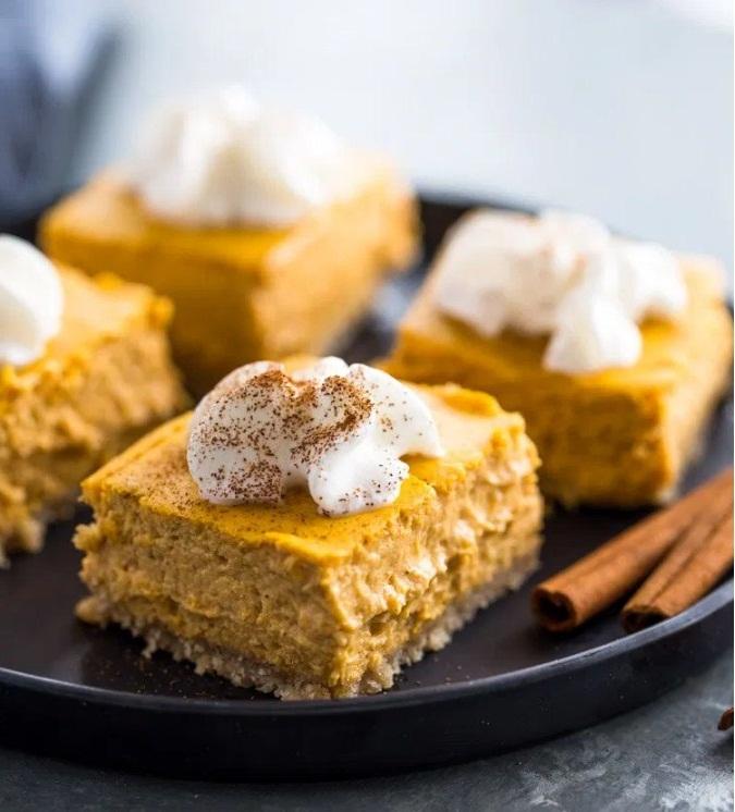 Creamy Keto Pumpkin Cheesecake
