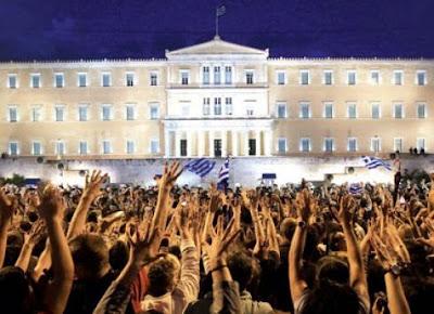 http://1.bp.blogspot.com/-brttmp4WKbs/VP8VTCw1rCI/AAAAAAABPwI/Ra8jxX-YmVE/s1600/aganaktismenoi-stratiotikoisto-syntagma.jpg