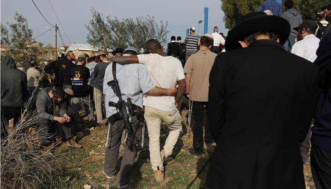 Two Palestinians dead in new protests