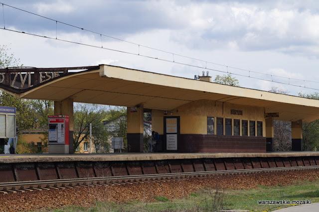 Wawer stacja kolejowa modernism modernizm Kazimierz Centnerszwer kolej wiata poczekalnia linia otwocka architektura architecture peron