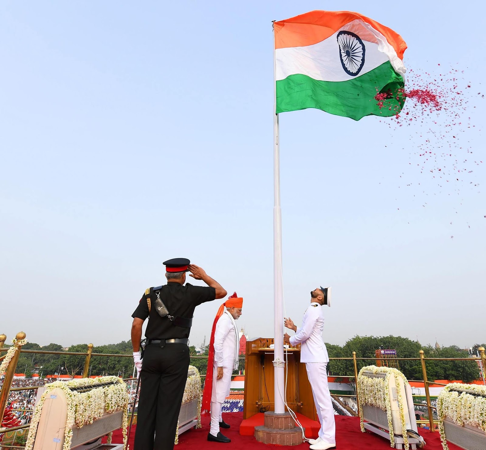 The Prime Minister, Narendra Modi unfurling the Tricolour flag at the ramparts of Red Fort on the occasion of 72nd Independence Day in Delhi on August 15, 2018