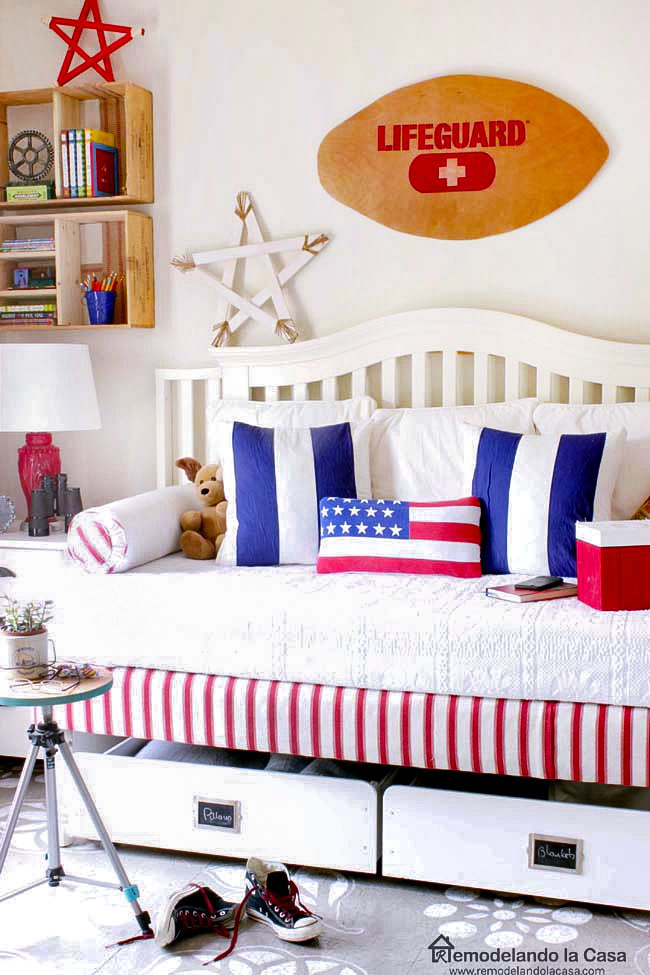 Red, white and blue guest bedroom