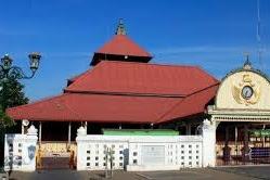 Unik! Beberapa Masjid Berikut Ini,Ibadah Sholat Tarawihnya Diadakan Tengah Malam