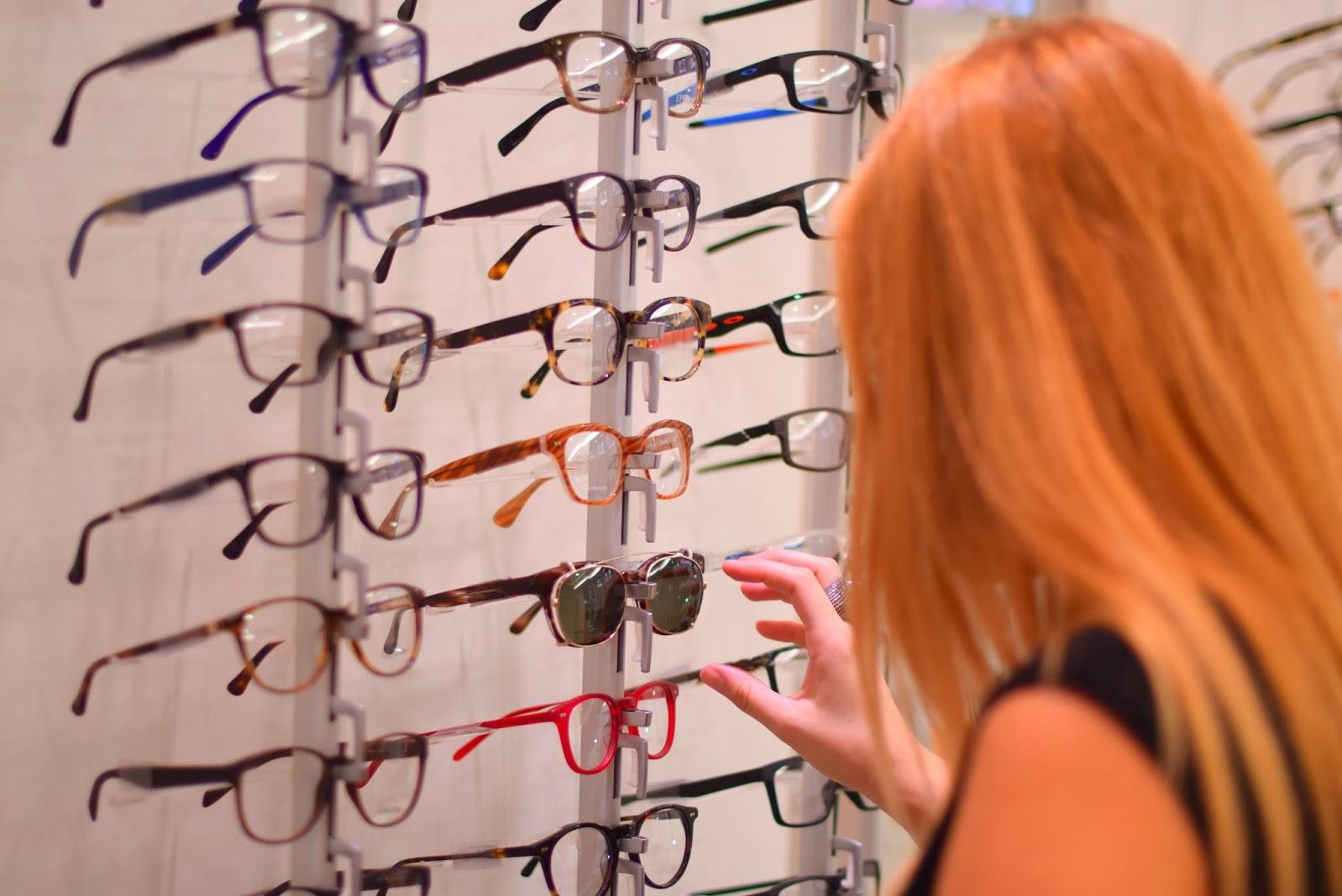 nery hdez, opticalh , optica herradores, gafas , online shopping