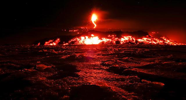 ثوران أكبر بركان في أوروبا... فيديو وصور