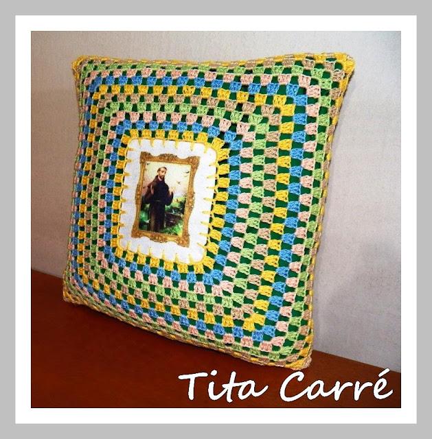 Almofada São Francisco de Assis em Crochet