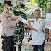 Polsek Tanjung Duren Bersama 3 Pilar Bagikan Masker Di Sekitar Terminal Grogol