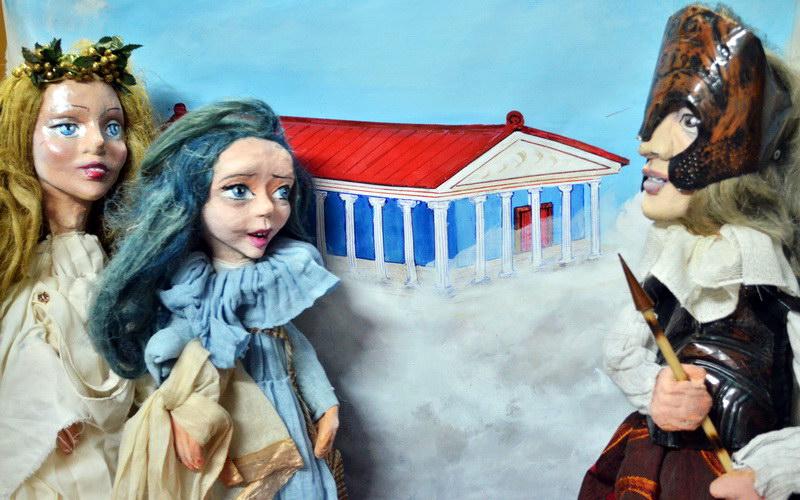 Η «Ειρήνη» του Αριστοφάνη σε παράσταση κουκλοθεάτρου στο Μουσείο Μετάξης Σουφλίου