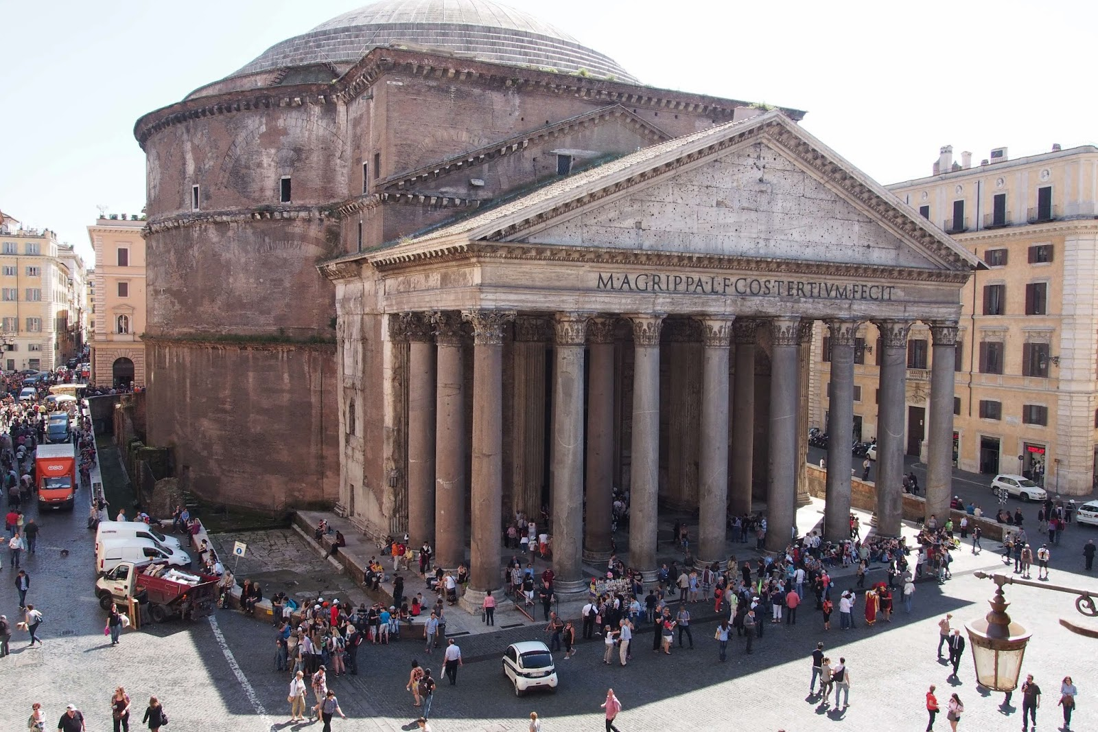 A glance at the pantheon of rome
