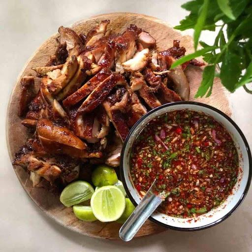 Resepi Ayam Meraung Cicah Dengan Sos Cili Thai Memang Padu