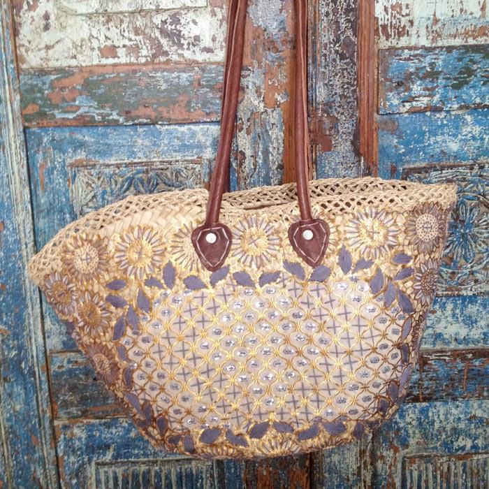 モロッコのマラケシュのスークでぼられて買った大きなかごバッグと価格