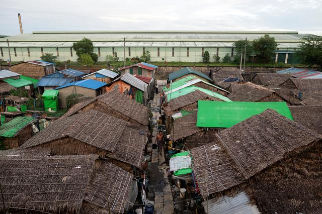 Starving in Myanmar - People searching for food from drains, eating insects, snakes and rats
