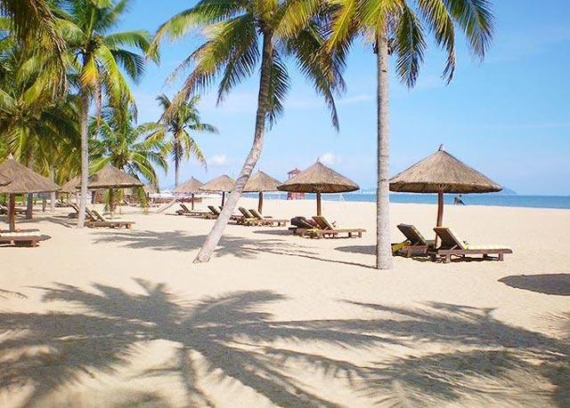 yalong beach hainan surganya wisata tropis