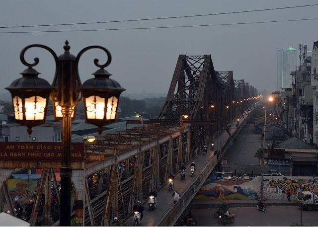 Historical ups and downs of Long Bien Bridge 2