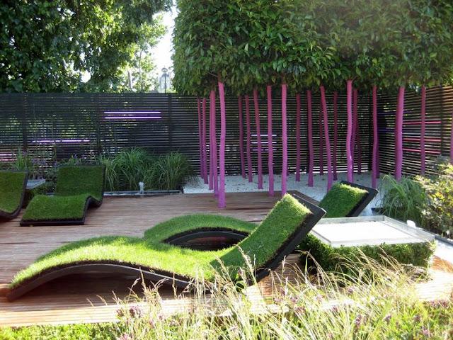 Contoh desain taman minimalis tropis dengan ruang duduk eksternal