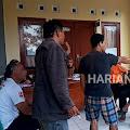 Nyaris Ricuh, Puluhan Warga Gelar Aksi Demo Tuntut Kadus Pakopen Mundur Dari Jabatanya - Lantaran Dinilai Tidak Bisa Kerja