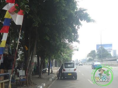 FOTO 1 : Bajaj Roda 4 (Qute) Pengganti Bemo Grogol - Duta Mas Jakarta