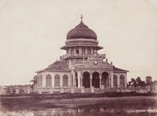 10 KESULTANAN-KESULTANAN ISLAM DI NUSANTARA INDONESIA