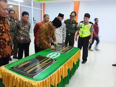 Wabup Arifin dan Kepala Dinas Koperasi dan UMKM Jatim Resmikan Swalayan KSU Sumber Makmur Munjungan