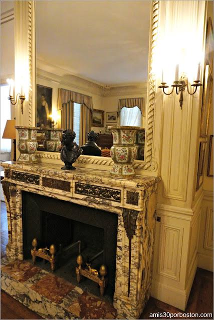 Chimenea del Dormitorio de los Monroe de la Mansión Rosecliff, Newport