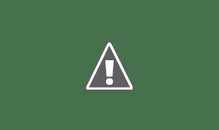 Fotografía de una persona con ELA recibiendo fisioterapia en un evento