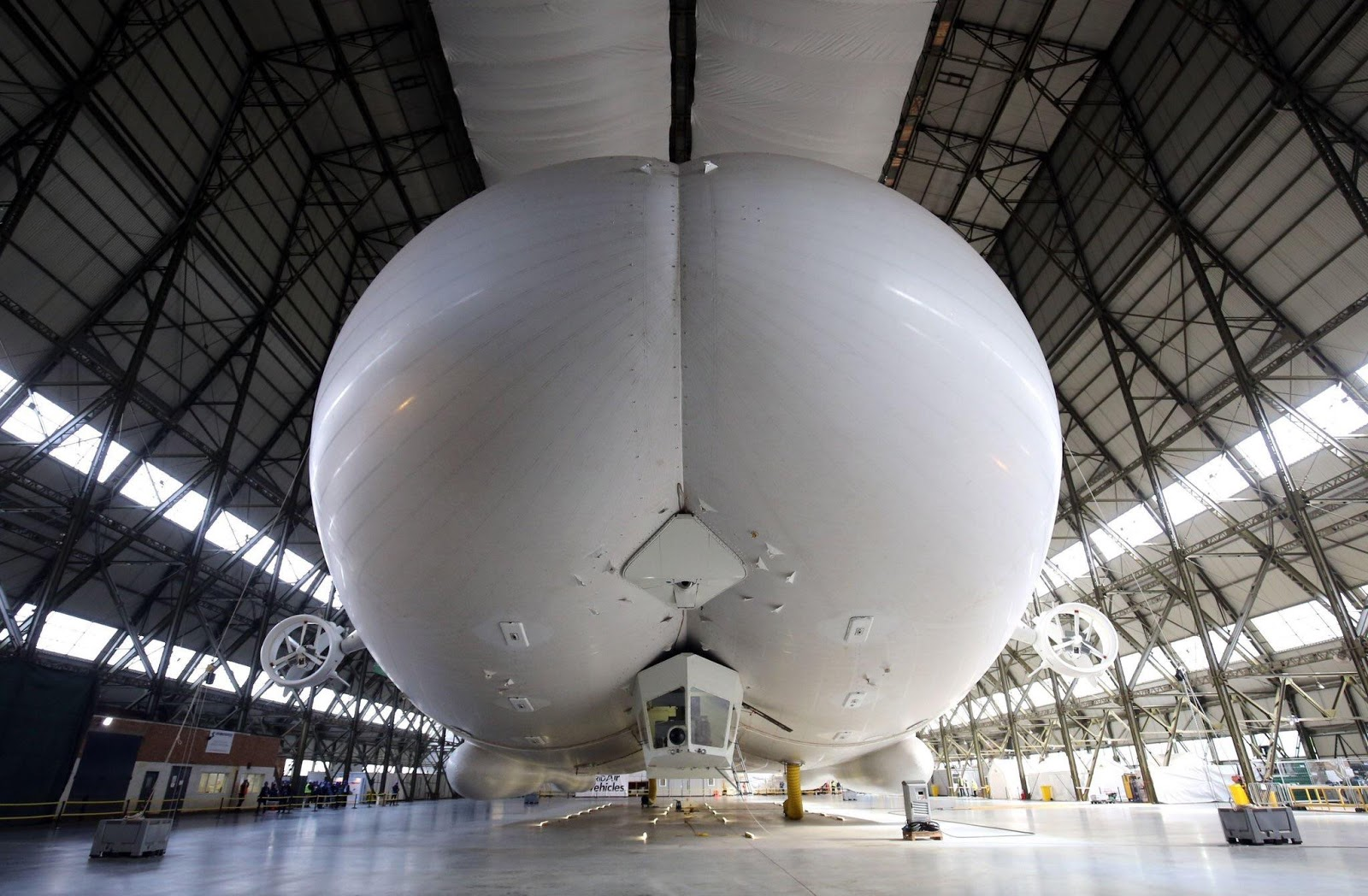 the world's longest aircraft, the world's largest aircraft, the world's largest aircraft carrier, the longest aircraft carrier, the longest aircraft in the world, the world's largest paper airplane, the world's longest aircraft, which country unveiled the world's longest, aircraft airlander hav 302.