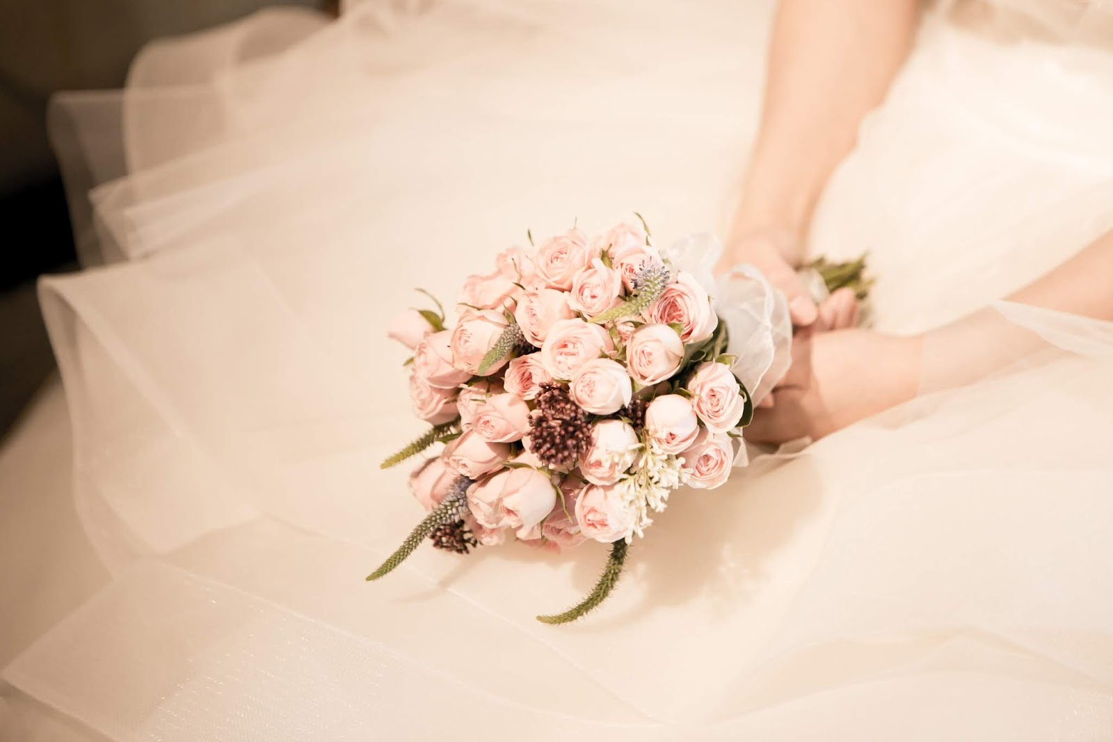 Wedding traditions that you don't need to stick to