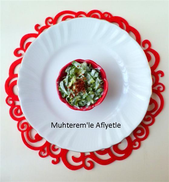 sorrel yoghurt salad