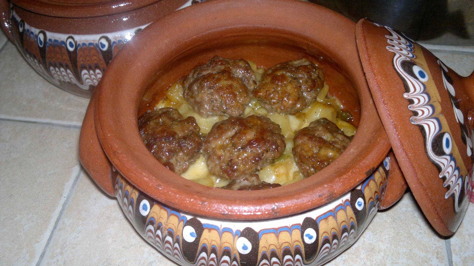 Le passioni culinarie di Petya Polpette in ghiuvec