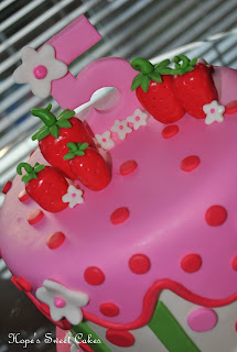 I Love Busy Cakes They Just Make Me Smile Simple On The Other Hand Sweat Bullets No Way To Hide Mistakes Lol