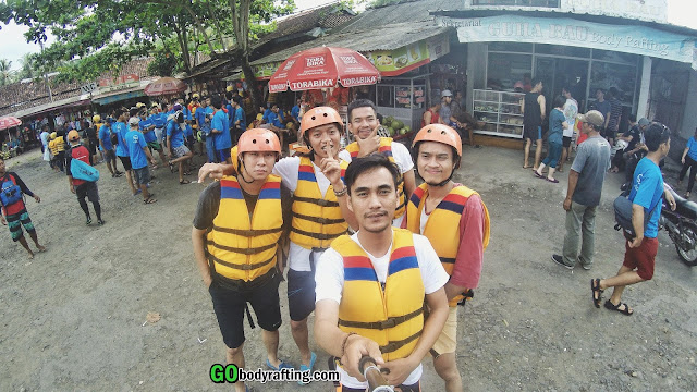 lokasi peralatan body rafting green canyon