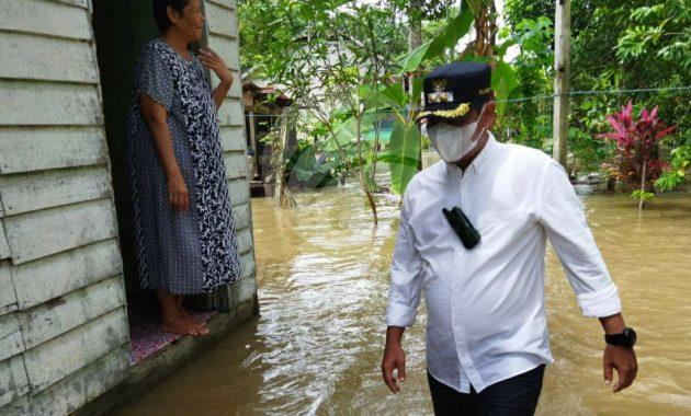 Neko Wesha Pawelloy Ajak Masyarakat Lingga Awasi Proyek Pembangunan .lelemuku.com.jpg
