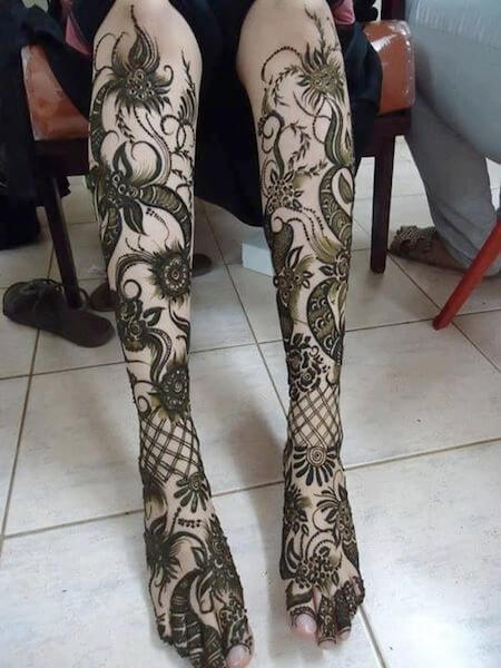 Simple mehndi designs for legs Best Leg Mehndi Designs Ideas Easy Mehndi Designs for Legs Step by Step Simple Legs Henna Patterns for Wedding Beautiful Mehndi Designs Pictures for Legs 2017 Latest Legs Mehndi Henna Designs Ideas Cute Henna Tattoos Designs for Legs