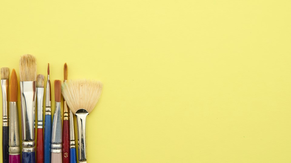 Yellow ppt background with brushes